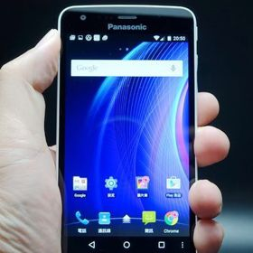 Meet-Panasonics-first-64-bit-Android-Lollipop-smartphone-the-Eluga-U2 (1)